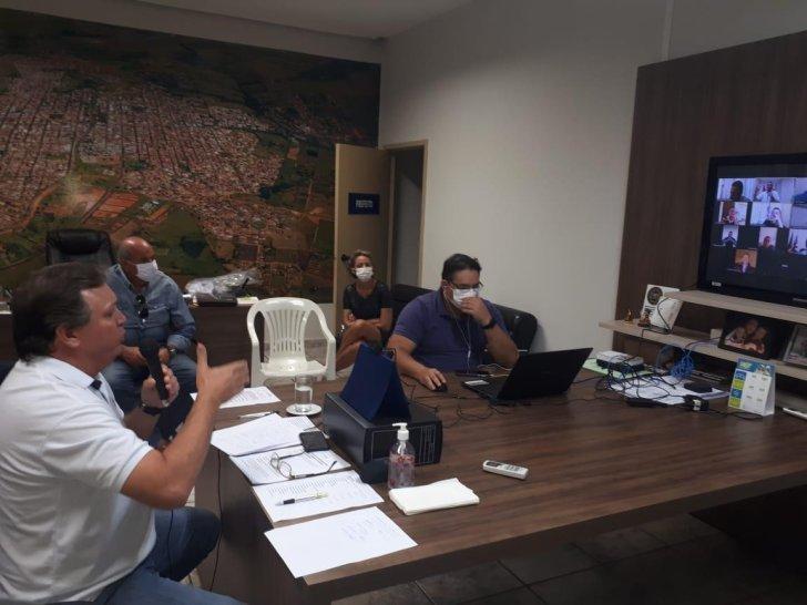 Covid-19: Unipontal reúne prefeitos, deputados e senador em vídeo conferência